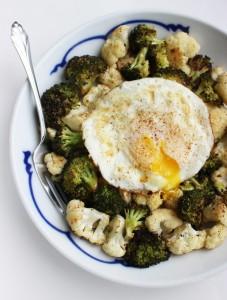 Oua cu broccoli si conopida